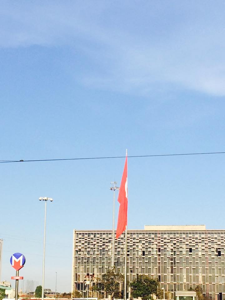 Giant flag in the Taksim squre